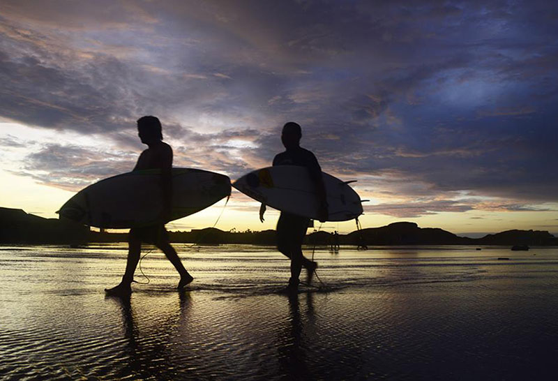 Volunteer Surf Trips - Peru